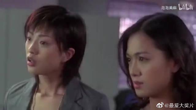 王晶的客串电影,却面戴口罩无厘头,说自己是咬人博士