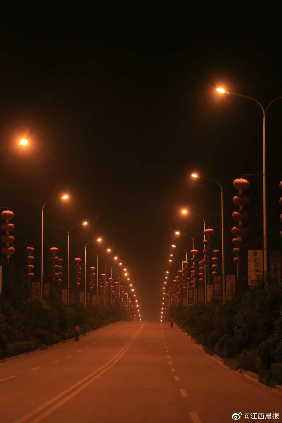 人生的路,走走停停是一种闲适,边走边看是一种优雅,边走边忘……