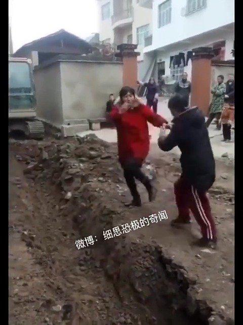中国式吵架,行为艺术,值得观赏一下