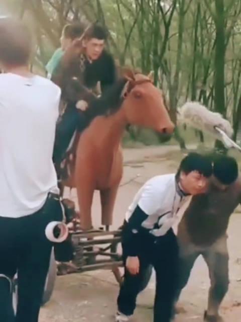 原来影视剧中骑马是这样拍的,骗了我几十年