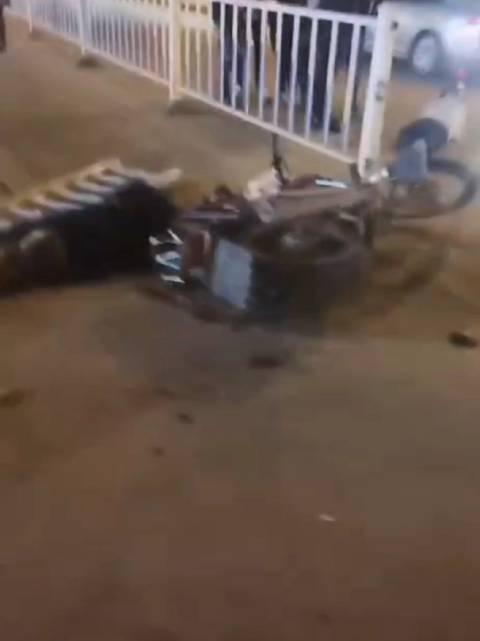 网友爆料:今晚,玉林市博白县城六十米大道发生一起交通事故……