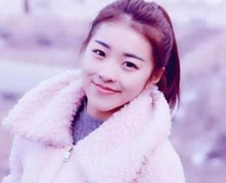 网红学生时期旧照,刘思瑶路人脸,杨清柠清纯,艾比惊艳了时光!