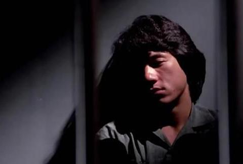 1985年,洪金宝喊成龙过来拍文艺片,没想到真红了!