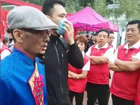 51岁阿宝跑活动,皮肤黝黑嘴唇苍白遭疑生病,被曝50万都请不到?