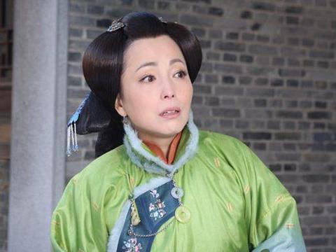 被称为香港第一丑女,低调嫁给富豪,如今被富豪老公宠成公主
