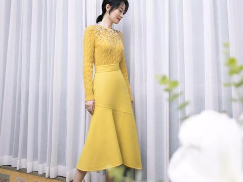 秋季福利到,学敏涛姐姐穿黄色系,很美哦