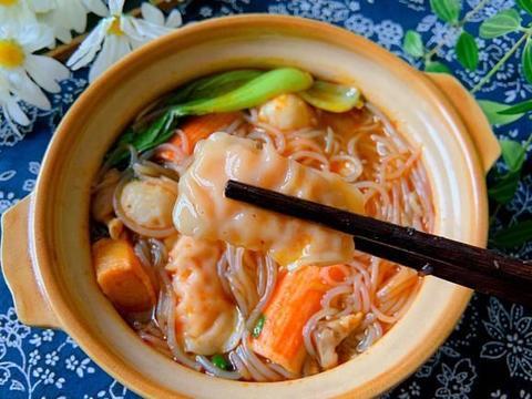天冷,最爱这一碗火锅粉,麻辣鲜香又劲道,吃完全身都暖了!