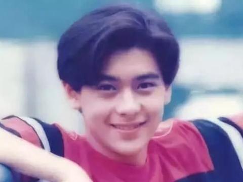 20位男星的18岁,黄磊貌若潘安却落榜,徐峥读上戏时头发还在