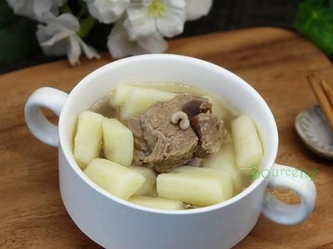 进入农历九月,煲骨头汤时加点它,润燥补水,每天一碗,暖胃暖心