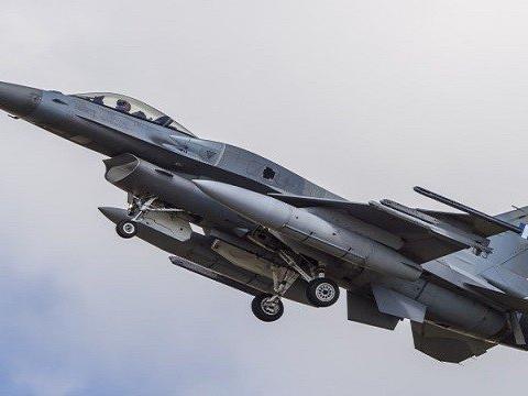 美制战机危险了,土耳其S-400导弹探测北约军演,直接锁定6架F-16