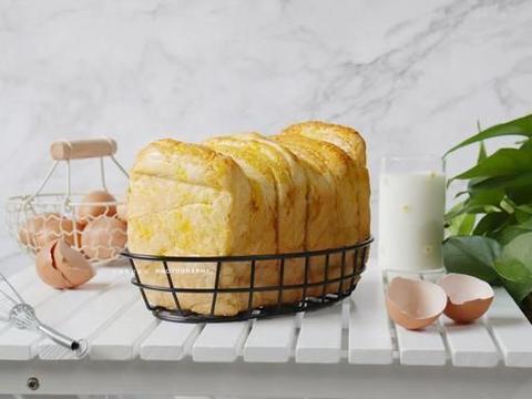 超级好吃的手撕椰蓉吐司,学会了在也不用去面包店了