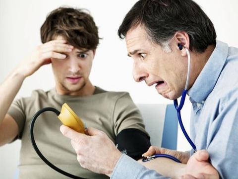 """高血压可损伤心脏和大脑,它的""""死对头""""究竟是谁?医生说出答案"""