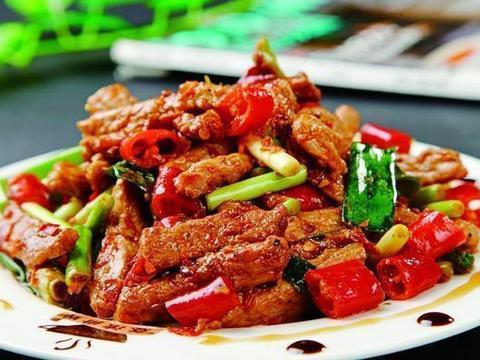 家常美食:肉炒胡萝卜,蛋黄焗螃蟹,香辣牛肉