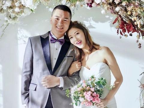 35岁李彩桦突然宣布婚讯让粉丝吃惊,嫁内地钢材老板住10亿四合院