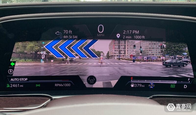 2021款凯迪拉克SUV配38英寸仪表台,支持AR效果叠加