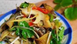 美食优选:肉丝炒蒜苗,茄汁鸡翅,香菇油麦菜,香拌海螺的做法
