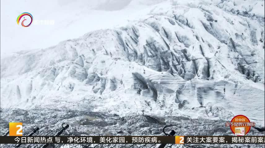 好美!丽江玉龙雪山下雪了