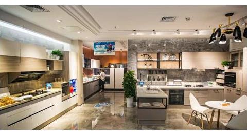 国美杜鹃带领国美积极探索零售业态,满足消费者多元化购物需求