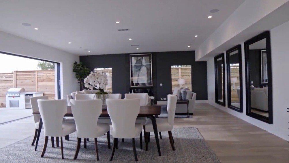 一个379.5万美元的太平洋奢华现代家居