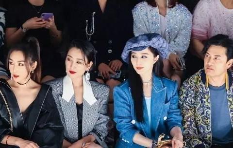马苏上海看秀好会穿!西服外套搭绸面连体装,比同框范冰冰还美艳