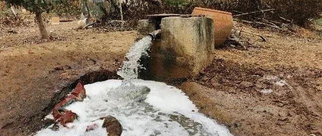 平邑:多处水井变质发臭,当地政府久拖不决
