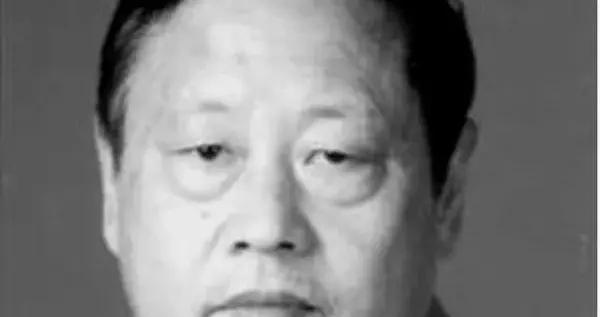 他是不朽的诗人,在宜昌文坛立下了不朽的诗碑