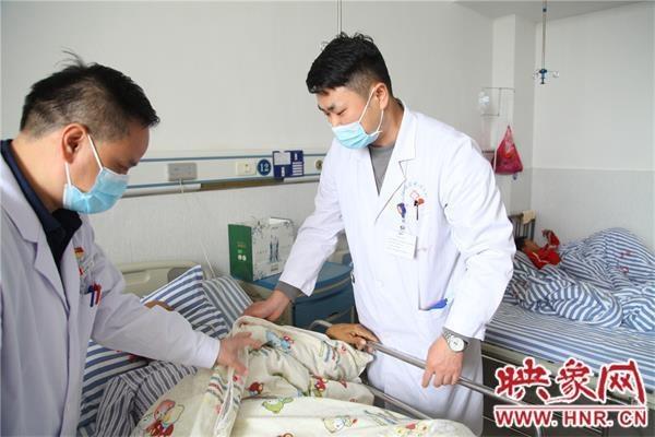 信阳市中心医院举办故乡行罗山站义诊活动
