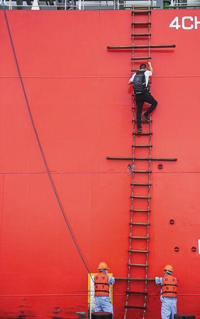 海南自贸港的引航员
