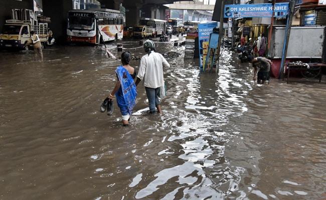 印度卡纳塔克邦洪灾形势严峻 97个村庄被淹 3.6万人被疏散