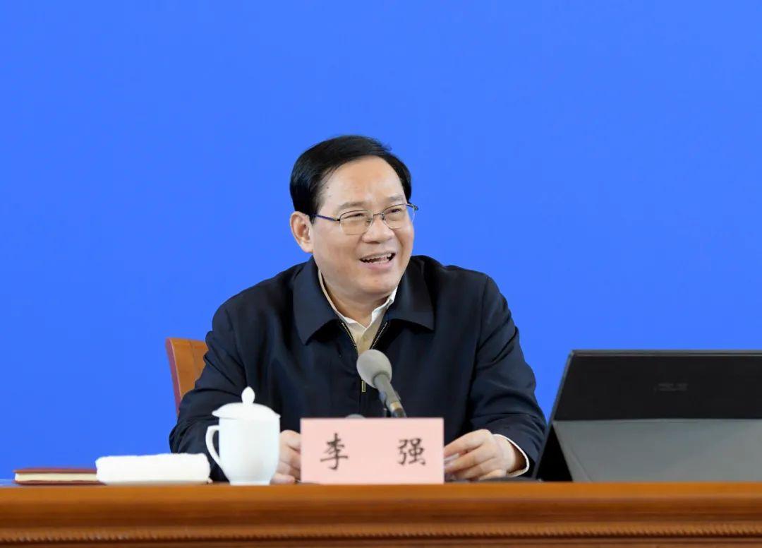 上海市委中心组今天学习民法典,李强要求让法治成为城市治理的闪亮名片!