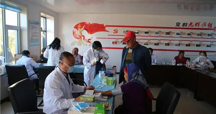 省公安厅联合省人民医院开展爱心义诊活动