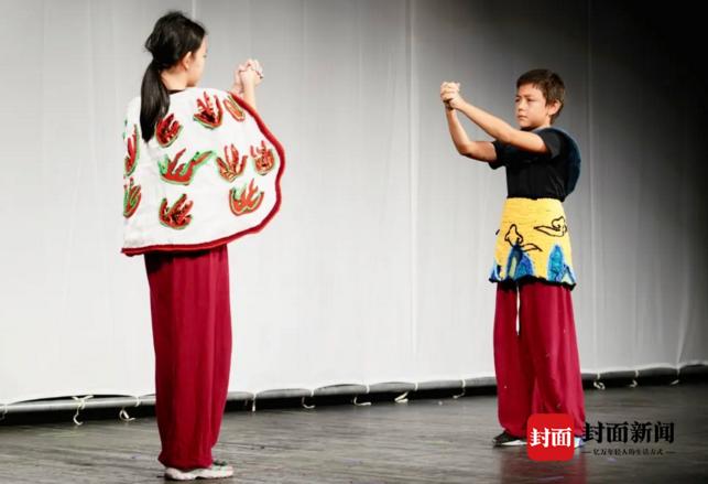 刘烨爱子诺一长大了,喜欢孙悟空的他和妹妹一起在成都首演《红孩儿》