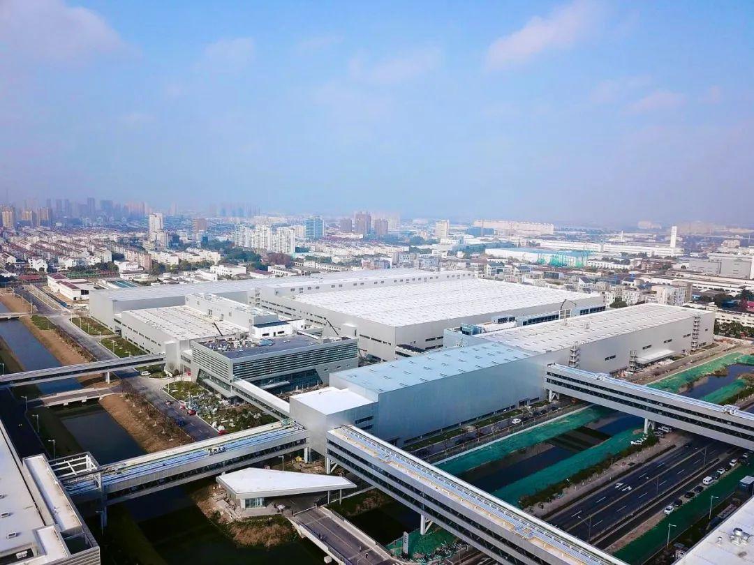 国内生产规模最大的纯电动汽车工厂将投产,采用上千台机器人