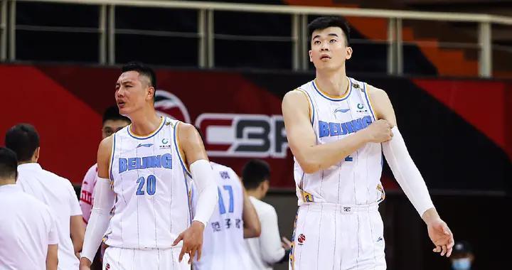 没有林书豪,北京首钢被打回原形,当初看不起林书豪的人脸红没?