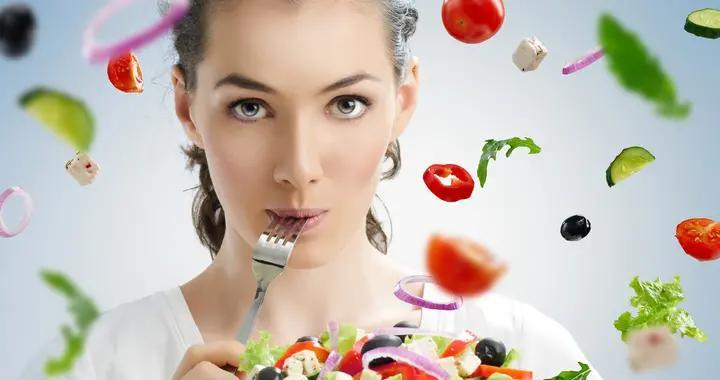 """长期吃素,血脂不降反升?高血脂人群要注意饮食中的""""三黑三白"""""""