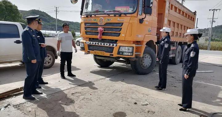 甘泉公安交警联合运管部门集中开展非法改装车辆整治行动