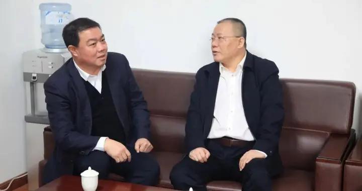 运城中院党组书记、院长赵斌走访省人大代表并到永济法院调研