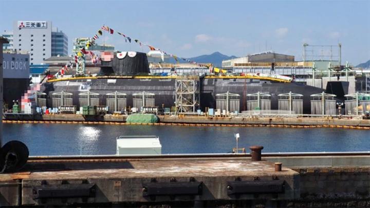 排水量超3000吨,全球最大常规潜艇下水,日本距离核潜艇只差一步
