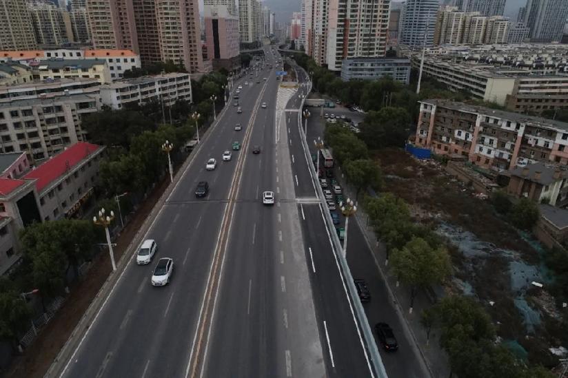 """城区道路改造升级 让西宁城市""""血管""""更通畅"""