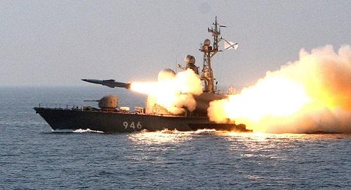俄媒:俄军太平洋舰队在日本海军演 导弹快艇突击群发射巡航导弹打击海面目标