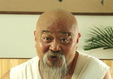 国家一级演员李琦:曾喝酒如饮水,每天抽2包烟,今65岁怎样了?