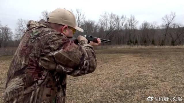 亨利杠杆霰弹枪靶场射击测试,拉栓声音很独特很好听