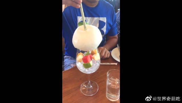 泰国网红椰汁饮料,突然看到卫生达标的东西……