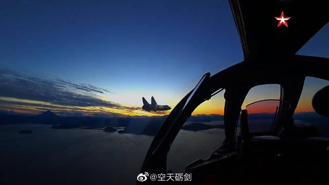 太平洋舰队海军航空兵米格-31BM截击机开展夜间拦截训练