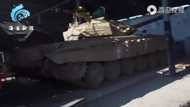 """阿塞拜疆发布缴获敌军装备集锦 小到枪支大到坦克""""应有尽有"""""""