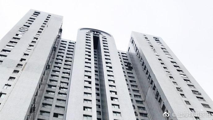 上海业主自筹138万换电梯 你家商品楼有没有这种苦恼?