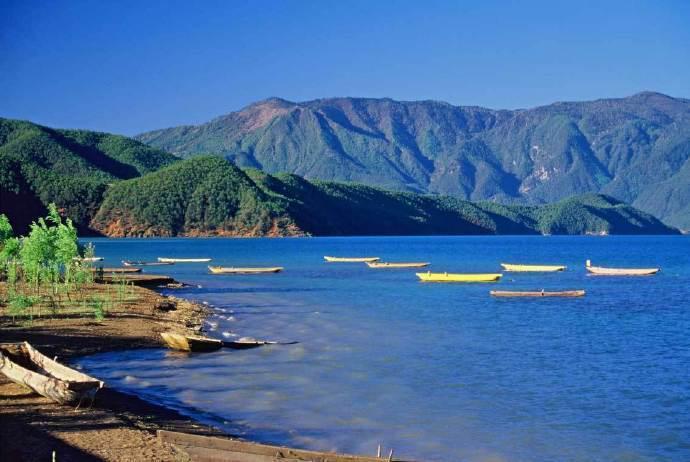 泸沽湖,这是我心中无比纯净的蓝