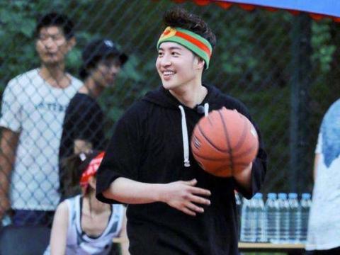 娱乐圈打球最厉害的五位明星:蔡徐坤垫底,周杰伦上榜,榜首是他