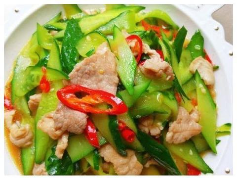家常美食:青瓜炒肉片,糖醋脆皮豆腐,老醋拌海蜇