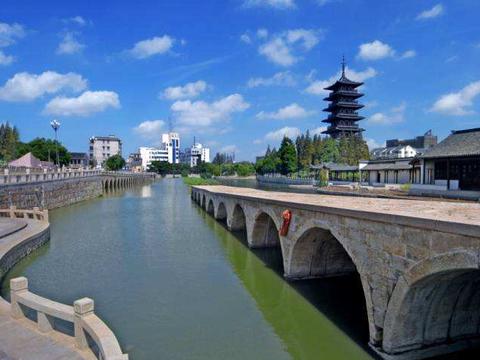 苏州吴江一条72孔断桥,被誉为江南真正断桥,已有千年历史
